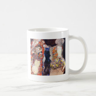 Klimt adorna a la novia con velo y la guirnalda taza