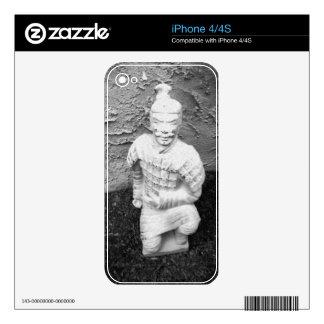 Kneeling Warrior Skin For iPhone 4