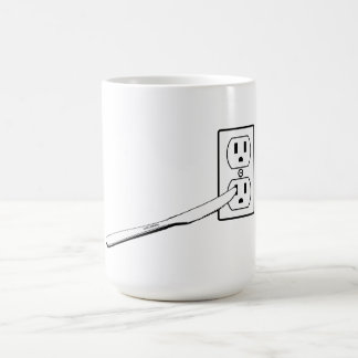 KNIFE IN OUTLET MUG