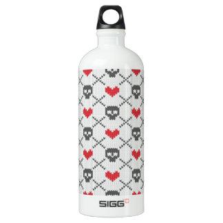 Knit Skull Heart Pattern Water Bottle