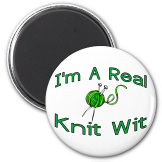 Knit Wit 2 Inch Round Magnet