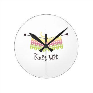 Knit wit round clock