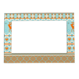 Knitted pattern with deers magnetic frame