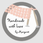 Knitting needles scarf pink grey gift tag stickers