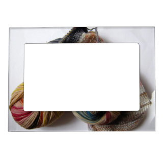 Knitting with Wool Yarn Magnetic Frame