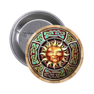Knotwork Sun hace frente alrededor del botón