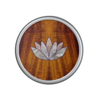 Koa flameado con el altavoz de Lotus