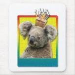 Koala de la magdalena del cumpleaños alfombrilla de ratón