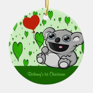 Koala linda con el globo rojo del corazón ornatos
