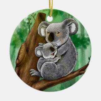 Koala y bebé lindos adorno navideño redondo de cerámica