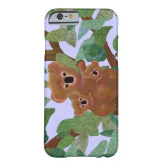 Koalas en el caso del iPhone 6 del eucalipto