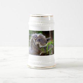 Koalas lindas jarra de cerveza