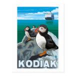Kodiak, AlaskaPuffins y barco de cruceros de Postales