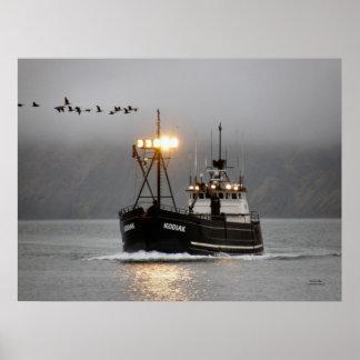 Kodiak, barco del cangrejo en el puerto holandés,  posters