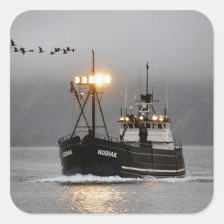Kodiak, barco del cangrejo en el puerto holandés, pegatina cuadrada