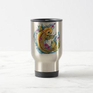 Koi con la taza de acero del viaje de las flores