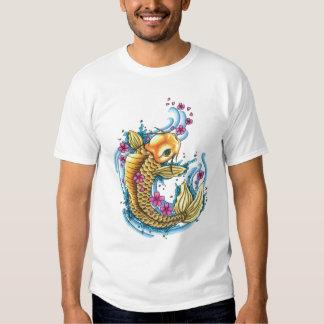 Koi con las flores de cerezo EDUN VIVE camiseta de Playeras