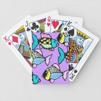 Koi tropical va los pescados festivos y los naipes cartas de juego