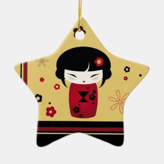 Kokeshi rojo adorno de cerámica en forma de estrella