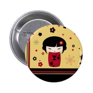 Kokeshi rojo pin redondo 5 cm