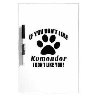 Komondor no tiene gusto de diseños pizarras blancas