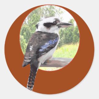 Kookaburra en círculo pegatinas redondas