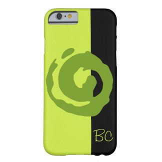 Koru verde en verde lima y negro funda de iPhone 6 barely there