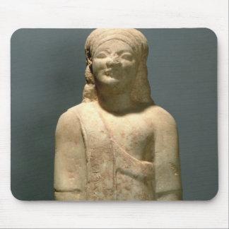 Kouros Dionysermos, Griego, período arcaico, c.600 Alfombrillas De Ratón