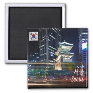 KR - Corea del Sur - Seul - Namdaemun en la noche Imán Cuadrado