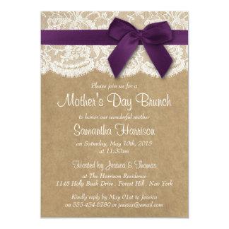 """Kraft, cordón y brunch púrpura del día de madre invitación 5"""" x 7"""""""