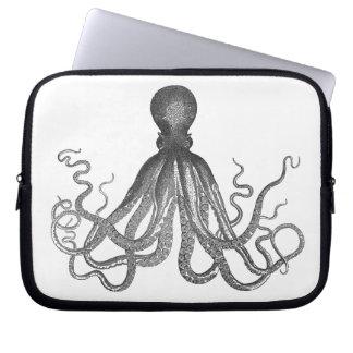 Kraken - Black Giant Octopus / Cthulu Laptop Sleeve