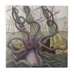Kraken/pulpo Eatting un barco pirata, color Teja Ceramica