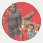 Krampus con los malos niños pegatina redonda