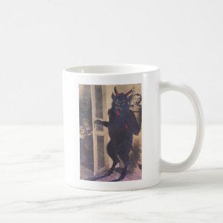 Krampus que recolecta a la familia taza de café
