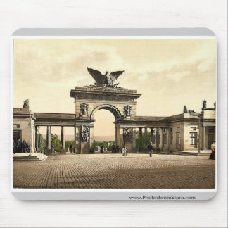 Krieger Monument, Thor, Cassel Ave, Cassel (i.e., Mouse Pads