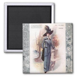 KRW 1907 French Fashion Magazine Vintage Magnet