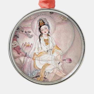 Kuan Yin; Diosa budista de la compasión Adorno Redondo Plateado