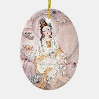 Kuan Yin; Diosa budista de la compasión Adorno Ovalado De Cerámica