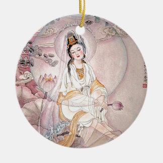Kuan Yin; Diosa budista de la compasión Adorno Redondo De Cerámica
