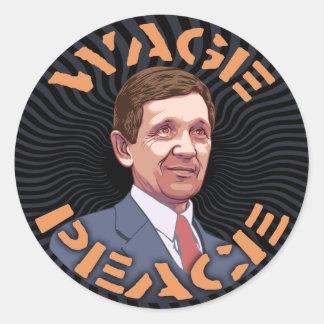 Kucinich - paz del salario pegatina redonda