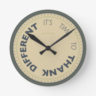 Kudos® Reloj Redondo Mediano