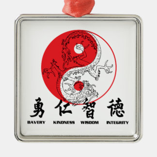 Kung Fu Adorno Cuadrado Plateado