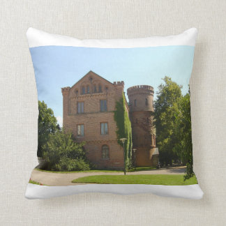Kunghuset Castle Throw Pillow