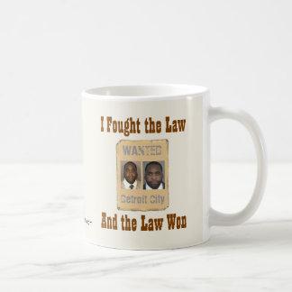 Kwame - luché la ley taza de café