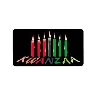 Kwanzaa mira al trasluz a los pegatinas etiqueta de dirección