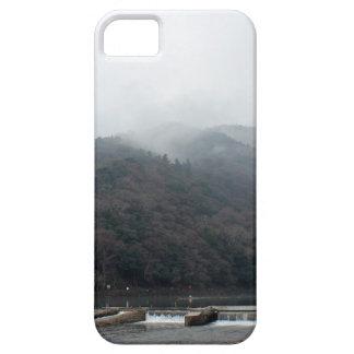 kyoto: arashiyama: mountain and river iPhone SE/5/5s case