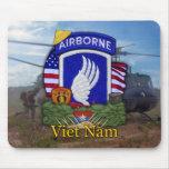 la 173a brigada aerotransportada Vietnam revisa a  Tapetes De Raton