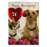 La 50.a chihuahua feliz del aniversario persigue tarjeta de felicitación