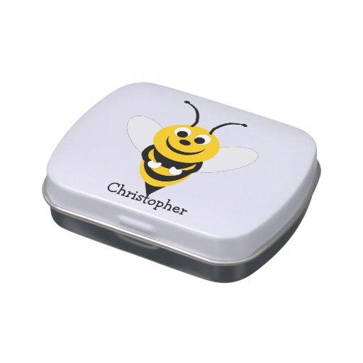 La abeja apenas añade nombre frascos de caramelos