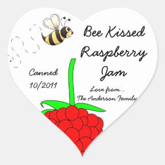 La abeja besó el atasco de frambuesa calcomanías corazones personalizadas